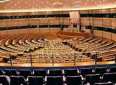 ¿Cuál es la composición del Parlamento Europeo?