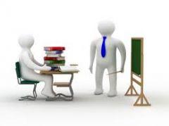 El docente que evalúa con base en el enfoque formativo, ¿debe ser?
