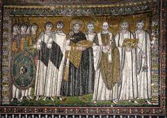 Emperor Justinian and his Attendants, San Vitale, Ravenna, Byzantine, c.546-548.