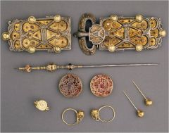 Jewelry of Queen Arnegunde, excavated from her tomb at St. Denis, Merovingian, Paris, 580-590 CE.
