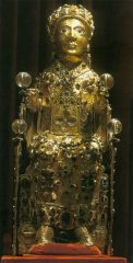 Reliquary statue of Sainte Foy (St. Faith), Conques, France, Romanesque, 9th-10th centuries.