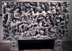 #47   Ludovisi Battle Sarcophagus   Late Imperial Roman   250 C.E.   _____________________   Content: